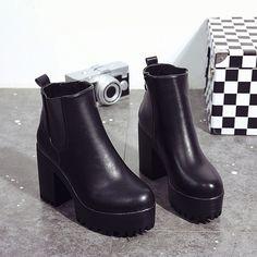 Outono Inverno Venda Quente Das Mulheres Botas Plataformas De Couro Senhoras Coxa Alta Bomba Calcanhar Quadrado Botas Sapatos Feminino Manter Moda Quente