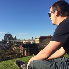 Observatory Hill - nice picnic spot with panoramic views of Sydney Harbour and the Harbour Bridge. We grabbed a couple of gourmet sausages from The Rocks Foodies Market (held every Friday) and sat up here. Unfortunately my sausage didn't make it very far though. It was stolen right out of my bun by a sneaky seagull that flew over my head from behind!  #observatoryhill #sydneyobservatoryhill #sydneyobservatory #sydneyharbour #harbourbridge #sydneyharbourbridge #greatview #panoramic #thatview…