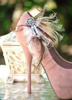 love these Pink Wedding shoes! Olivia Palermo, Pink Wedding Shoes, Pink Shoes, Rose Wedding, Wedding Bride, Pink Pumps, Satin Pumps, Women's Shoes, Miss Cavallier