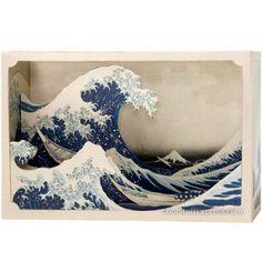 Tatebanko, the Japanese art of diorama. Art: The Great Wave off Kanagawa, by Hokusai. Tunnel Book, Asian Artwork, Art Japonais, Art Plastique, Box Art, Japanese Art, Japanese Style, Traditional Japanese, Shadow Box