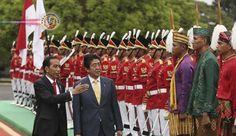 Abe e Joko concordam em impulsionar cooperação em segurança. O primeiro-ministro japonês, Shinzo Abe, e o presidente da Indonésia, Joko Widodo...