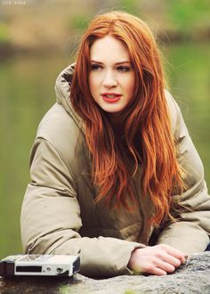 I worship at the feet of Karen Gillan - she is my ultimate 'omg must have your hair! Karen Gillan, Karen Sheila Gillan, Gorgeous Redhead, Hello Beautiful, Red Hair Inspiration, Red Hair Woman, Lily Evans, Girls With Red Hair, Redhead Girl