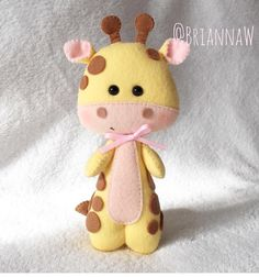 Felt Animal Patterns, Stuffed Animal Patterns, Diy Stuffed Animals, Fabric Toys, Felt Fabric, Felt Crafts Diy, Crafts For Kids, Felt Giraffe, Felt Kids
