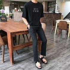 New mens fashion asian korea street styles 38 Ideas New Mens Fashion, Korean Fashion Trends, Popular Mens Fashion, Korea Fashion, Korea Street Style, Casual Outfits, Fashion Outfits, Minimal Fashion, Grunge Fashion