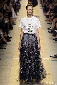#2017春夏巴黎時裝週:Dior屏除爭議、風靡世界