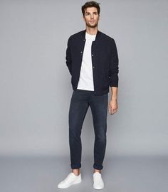 Viscount Mid Blue Jersey Stretch Tapered Slim Fit Jeans – REISS - Men's style, accessories, mens fashion trends 2020 Blazer Outfits Men, Stylish Mens Outfits, Men's Casual Outfits, Blue Jeans Outfit Men, Men Blazer, Hipster Outfits, Mode Masculine, Trend Fashion, Fashion Models