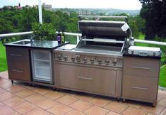 Ways To Choose New Cooking Area Countertops When Kitchen Renovation – Outdoor Kitchen Designs Outdoor Kitchen Kits, Modular Outdoor Kitchens, Outdoor Cooking Area, Outdoor Kitchen Design, Outdoor Kitchen Countertops, Concrete Countertops, Basic Kitchen, New Kitchen, New Cooking