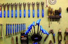 This is Your Simple Tune-up  http://www.bicycling.com/maintenance/your-simple-tune?cid=soc_BICYCLING%2520magazine%2520-%2520bicyclingmag_FBPAGE_Bicycling__