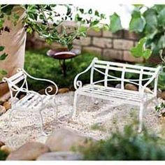 1 x New Fairy Garden / Miniature Garden/Mini Rustic Metal Bench ( white ) Fairy Garden Supplies, My Fairy Garden, Garden Terrarium, Bonsai Garden, Terrariums, Artist And Craftsman, Cottage In The Woods, Outdoor Tables, Outdoor Decor
