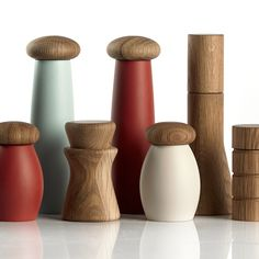 Simply Tabletop by Phil Longstaff & Graham Jowitt Lathe Projects, Wood Turning Projects, Wooden Projects, Wooden Crafts, Salt And Pepper Grinders, Salt And Pepper Mills, Wood Supply, Mid Century Modern Kitchen, Wood Lathe