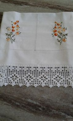 Crochet Lace Edging, Crochet Trim, Crochet Doilies, Embroidery Stitches, Embroidery Patterns, Hand Embroidery, White Embroidery, Cross Stitch Art, Cross Stitch Patterns