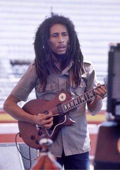 Use your brain. Arte Bob Marley, Bob Marley Legend, Reggae Bob Marley, Reggae Rasta, Reggae Music, Reggae Style, Rock Music, Bob Marley Pictures, Marley Family