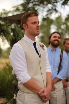 I love this casual yet polished look for the groom