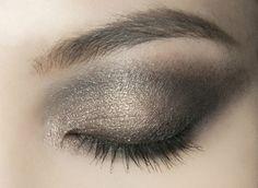 lamorbidezza:  Makeup at Roberto Cavalli Fall 2009