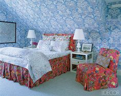 Love the mixed prints by Quadrille (both walls and chair/bed) and D. Porthault bed linens - cheery for an attic bedroom space - Veronica Beard's Hamptons home, decorated by Chiqui and Nena Woolworth, photo by Simon Upton Ikea, Long Island, Interior Design Tips, Interior And Exterior, Master Suite, Master Bedroom, Attic Bedrooms, Summer Bedroom, Into The West