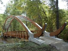 Development Bridge / Portland, OR - Bowstring Truss Timber Bridge Ancient Chinese Architecture, Timber Architecture, Timber Buildings, Landscape Architecture, Architecture Design, Arch Bridge, Pedestrian Bridge, Wood Bridge, Wooden Bridge Garden