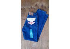 #HIGHWAIST #GUESS #JEANS la créme de la créme! Tenemos un #deadstock en la colección de Trea$ure!! Go Shop!   https://www.kichink.com/buy/311956/treasurerrr/jeans-guess-highwaist-blue  #cinturaalta #tendencias #moda #estilo #ellas #girls #primavera #verano #vintage #treasure #ventaenlinea #sexy #shopping #unique #ecelectic #interview #selenagomez