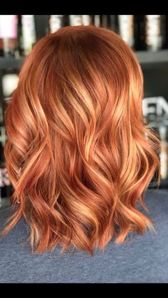 We've gathered our favorite ideas for Redblond Color Hair Fall 2018 In 2018 T Hair Hair, Explore our list of popular images of Redblond Color Hair Fall 2018 In 2018 T Hair Hair in ginger blonde hair color. Red Hair With Blonde Highlights, Red Blonde Hair, Partial Highlights, Red Foils Hair, Copper Hair Highlights, Copper Blonde Hair, Red Balayage Hair, Auburn Balayage, Blonde Lob