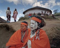Zululand - Sangoma trainees in South Africa. photo by Obie Oberholzer South Afrika, African Life, Xhosa, Tribal People, Kwazulu Natal, African Tribes, Out Of Africa, Shamanism, My Black Is Beautiful