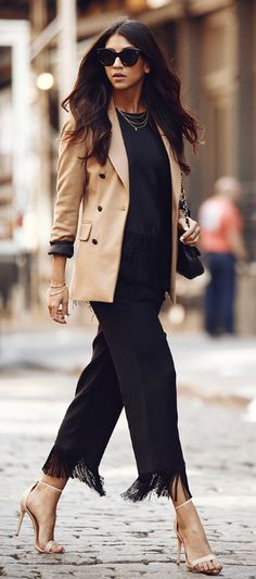 Try wearing fringed black trousers with a camel blazer for a smart yet alternative look. Via Kayla Seah. Look Fashion, Autumn Fashion, Womens Fashion, Hippie Fashion, Net Fashion, Curvy Fashion, Fashion Ideas, Fashion Inspiration, Fashion Trends