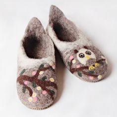 Handmade in Romania. Felted Wool Slippers, Felt Owls, Sheep Wool, Wool Felt, Shoes Handmade, Comfy, Romania, Leather, House