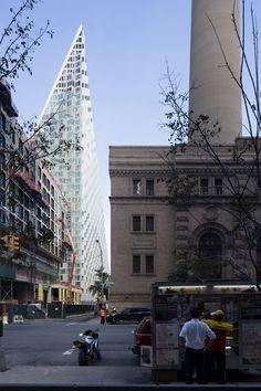 Het recent opgeleverde VIΛ 57 West introduceert een nieuwe typologie in de stad New York, stelt BIG-Bjarke Ingels Group.