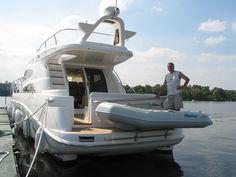 Dé ideale bijboot, verkijgbaar bij TTH Watersport!