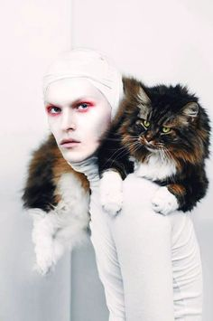 #catwithman #fashioncat #cat #photowithcat #whitefashion
