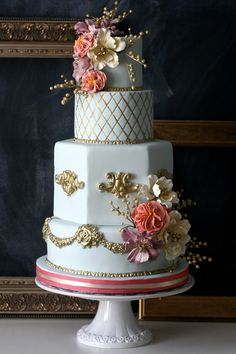 What Better Example Of Elegance! ~ Artistic Wedding Cakes from The Caketress - MODwedding Elegant Wedding Cakes, Beautiful Wedding Cakes, Gorgeous Cakes, Wedding Cake Designs, Pretty Cakes, Amazing Cakes, Creative Wedding Cakes, Coral Wedding Cakes, Metallic Wedding Cakes