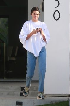 Kendall Jenner Out in Beverly Hills 06/06/2018. #celebrity #fashion #celebrityfashion #celebritystyle #celebritystreetstyle #streetfashion #kendalljenner