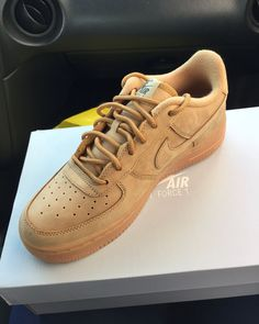 Nike wheat Brand new Shoes Sneakers Sneakers Fashion, Fashion Shoes, Shoes Sneakers, Shoes Heels, Men's Fashion, Fashion Outfits, Dream Shoes, New Shoes, Cute Shoes