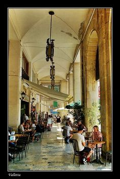 Arcaded Cafes, Valletta through the eyes of Budapestman