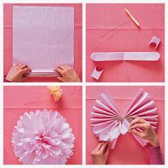 Decoración de exterior con guirnaldas de pompones de papel