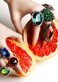 Jewels and fruit. Fall Jewelry, Summer Jewelry, Jewelry Box, Jewelry Accessories, Jewelry Making, Jewelry Photography, Fashion Photography, Editorial Photography, Foto Still