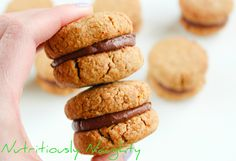 This simple Chocolate Filled Vanilla Sandwich Cookies recipe gluten free, vegan and refined sugar free! Filled with a creamy, chocolatey coconut oil icing. Gluten Free Cookie Recipes, Baking Recipes, Vegan Recipes, Vanilla Sandwich Cookies Recipe, Sugar Free Baking, Chocolate Filling, Low Fodmap, Healthy Baking, Vegan Food