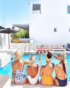 Καλό μήνα / Kaló mína in Greek literally means; Good Month! 🇬🇷 . The first day of each month, the locals in Greece will be greeting just about every single person they know and meet with Kalo mina. It is the Greek way of wishing their friends, family and kins a good month ahead of them, their way of wishing you well.  Hello September! Kalo mina to all! Καλό μήνα σε όλους! --------------------------------- Flashback friday to moments with the girls (@elenagalifa @adamantia_katsampi…