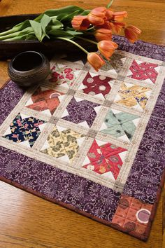 Code: ISBN: 9781564779878 Author: Ellen Pahl Put a new spin on quilting! With variations on Pinwheels, Windmills, Whirligigs, and other favorite twirling blocks, these 12 dynamic quilts will set your fabric in motion! Quilting Tutorials, Quilting Projects, Sewing Projects, Quilting Ideas, Sewing Crafts, Table Runner And Placemats, Quilted Table Runners, Small Quilts, Mini Quilts