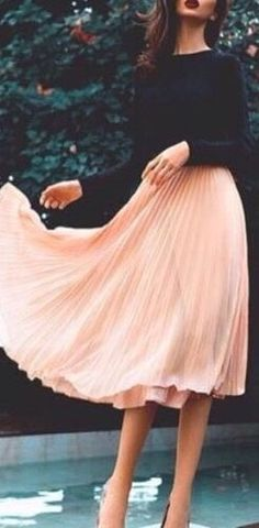 What a lovely pink color skirt
