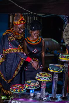 Cameroonian street style fashion influencer Divine Polyvalent has shared beautiful pictures of his traditional toghu themed wedding African Inspired Clothing, African Clothing For Men, African Women, African Attire, African Dress, African Cake, Wedding Themes, Wedding Styles, Wedding Tips
