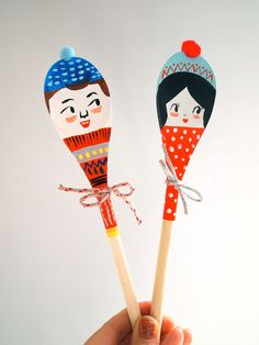 Christmas Winter Wonderland decorative wooden by JessQuinnSmallArt Easy Arts And Crafts, Diy And Crafts, Crafts For Kids, Spoon Ornaments, Spoon Craft, Painted Sticks, Wooden Art, Wooden Spoons, Doll Crafts