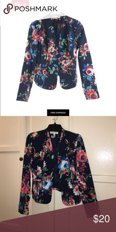 Floral Print Blazer Floral print blazer, looks great with white pants or jeans. Only worn 1 time love tree Jackets & Coats Blazers
