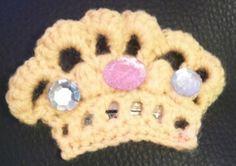 hand crochet crown hair clip £2.00
