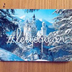 Broderie sur carte postale par Celine Nardou