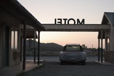 letom by Thomas McCann, via (American I think. John Cusack Movies, A Little Life, Dusk Till Dawn, Nocturnal Animals, Mojave Desert, American Gods, Breaking Bad, Small Towns, Cinematography