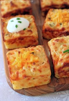 Leftover Mashed Potato Puffs_ Ingredients: 2 eggs cup sour cream, plus more for serving 1 heaping cup shredded sharp cheddar cheese 2 tablespoons grated Parmesan 2 tablespoons chopped chives salt and black pepper, to taste 3 cups mashed potatoes Potato Dishes, Food Dishes, Side Dishes, Main Dishes, Potato Snacks, Potato Bar, Pampered Chef Recipes, Cooking Recipes, Easy Recipes