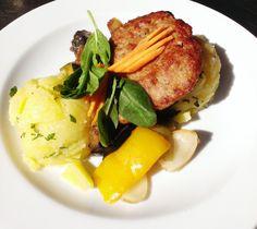 Denné menu Vranov | Pleskanica na grilovanej zelenine s varenými zemiakmi #DenneMenu #Restauracia Reštaurácia Hotel Patriot*** #Pleskanica #VareneZemiaky #GrilovanaZelenina
