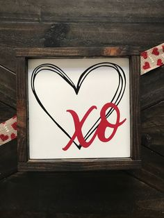 XO Heart sign Hand painted Valentine Decor Home Decor Funny Valentine, Roses Valentine, Be My Valentine, Valentines Hearts, Diy Valentine's Day Decorations, Valentines Day Decorations, Valentine Day Crafts, Holiday Crafts, Decor Ideas