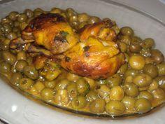 Tajine au poulet, champignons et olives verte,