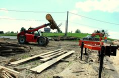Trak w akcji Outdoor Power Equipment, Wood, Woodwind Instrument, Timber Wood, Trees, Garden Tools