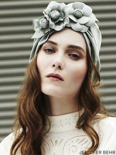 Silk turban by Jennifer Behr, available at www.jenniferbehr.com Mode Turban, Turban Hat, Turban Style, Millinery Hats, Fascinator Hats, Fascinators, Headpieces, Turbans, Head Accessories